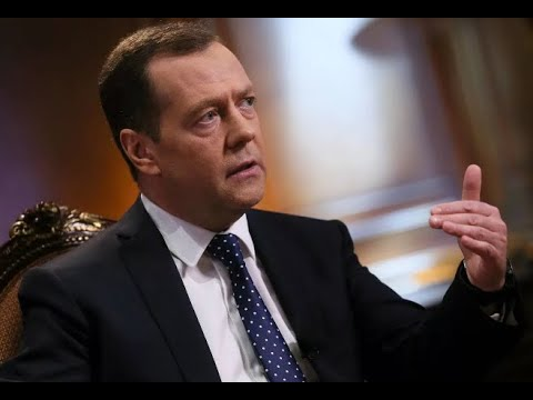 Вы не поверите! Какая НАСТОЯЩАЯ фамилия Дмитрия Медведева?