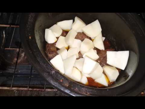 COOKING STEAKS AND POTATOES || CROCK POT IN THE OVEN