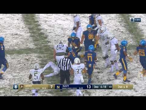 Army Football: Ahmad Bradshaw 21-Yard Run vs. Navy 12-9-17