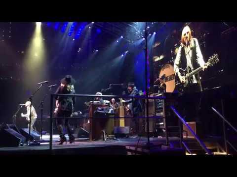 swingin 39 tom petty and the heartbreakers live td garden boston july 21 2017 youtube