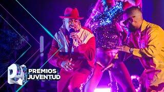 Química pura entre Alex Rose y Rafa Pabón al ritmo de 'Jangueo' en Premios Juventud