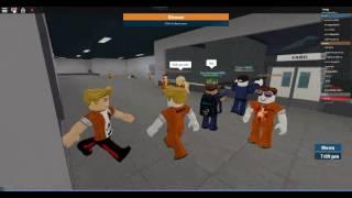 Mi primer vídeo de roblox y primero en el canal