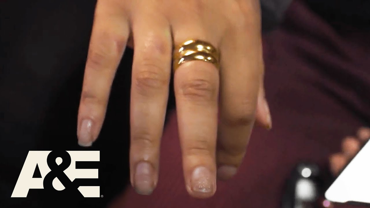 Live Rescue: Ring Gets Stuck on Lady's Finger (S3) | A&E