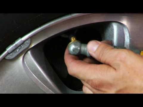 Automotive Troubleshooting How To Put Air In A Tire Youtube