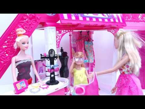 Barbie y Stacy Van al Centro Comercial de Compras