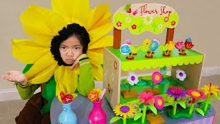 Emma Pretend Play w/ Cute Wooden Colorful Flower Shop Girl Kids Toys Playset thumbnail