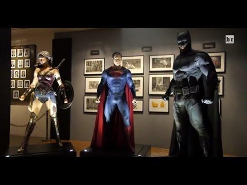Dawn of Justice Batsuit, Superman + Wonder Woman Suits Closeup Detail and Batmobile Analysis