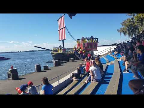 Florida Vacation Entertainment! Water Skiers At Legoland/Old Cypress Gardens