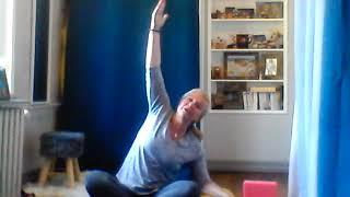 N°24/By Sylvie FREGEZ   Gym douce    Gym thérapie avec ballon