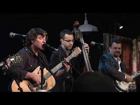 "Keller Williams with The Travelin' McCourys ""Pumped Up Kicks"""