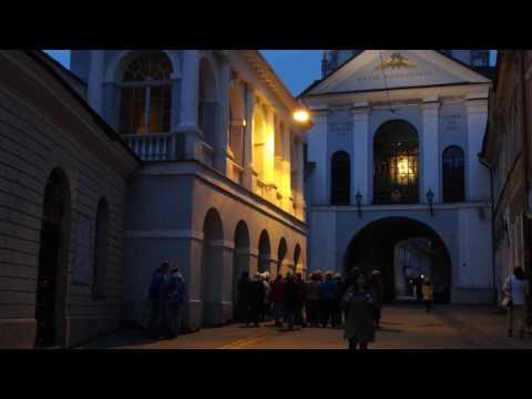 リトアニア・ヴィリニュス 夜明けの門(夜ver)