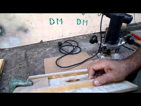 Смотреть Ключница деревянная сделанная своими руками полезная поделка для хранения ключей