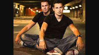 Andy & Lucas - tan orgullosa