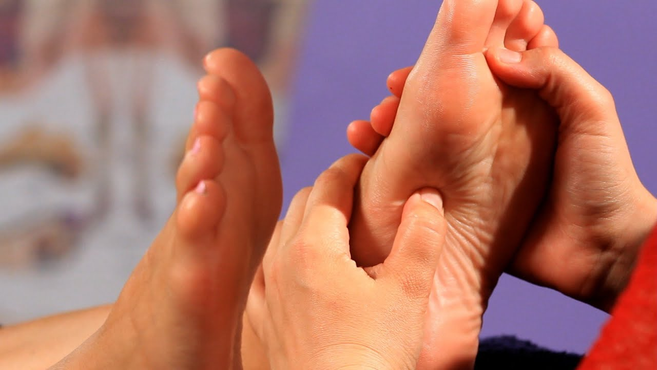How To Help Relieve Constipation Reflexology Youtube