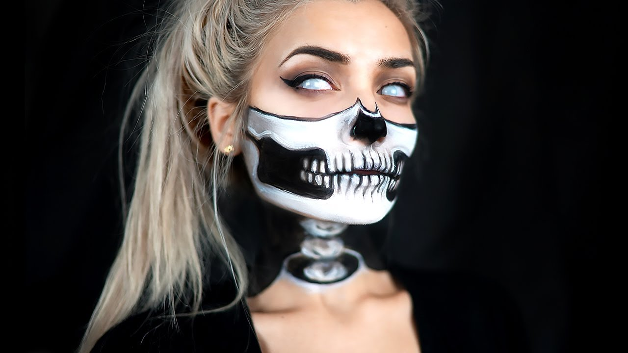 Halloween Make Up Skelet.Half Skull Exposed Spine Halloween Makeup Tutorial