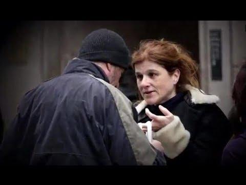 Женщина поделилась едой с бездомным. А после узнала, кто он!