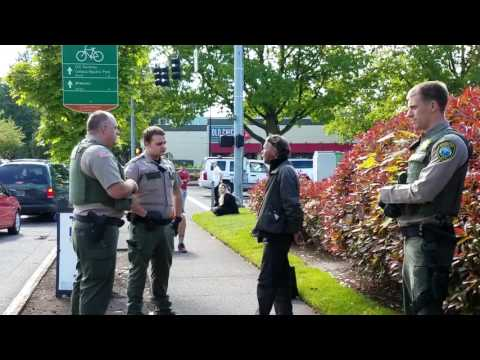 Clackamas County Sheriffs train a Cadet during an arrest
