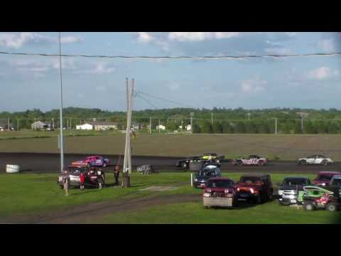 Stock Car Heat 1 @ Benton County Speedway 05/28/17