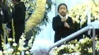 General Vang Pao Memorial: Extraordinary little girl recites poem