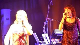 Moya Brennan (Clannad) feat Hellawes - A Mhuirnin O - Arena Moscow (2010.11.04)