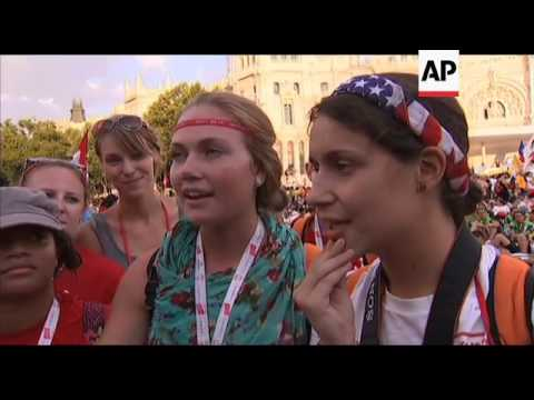 American girls defend expense of Pope visit