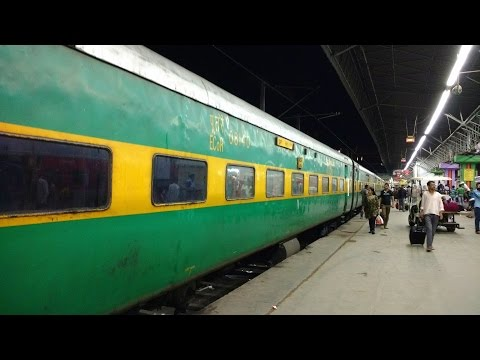 Howrah –Puri  GARIB RATH  Express || Inside Look&  Departure from Howrah