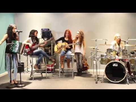 """Las Fenix- """"Contrabando y Traicion"""" (Camelia la Texana)"""