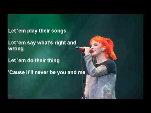 Paramore - Moving on (Lyrics)