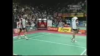 2004 Thomas Cup QF- Eng Hian and F.Limpele vs Chew Choon Eng and Koo Kien Keat