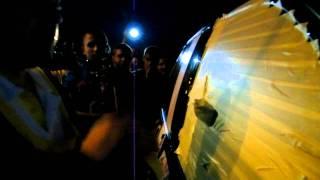 Эрик Давидыч разбивает стекло BMW X5M SMOTRA.RU