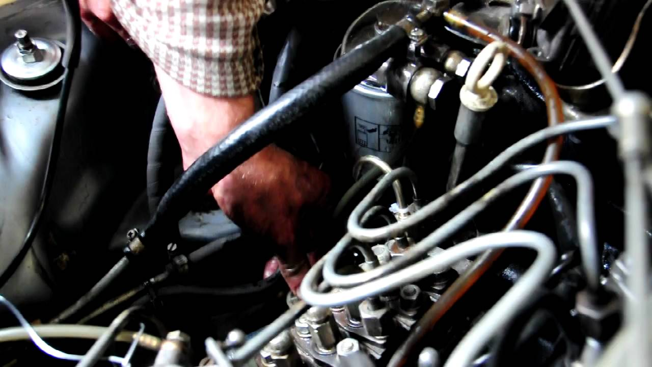 checking the timing of the diesel pump on a mercedes benz mercedes w203 workshop manual pdf mb w203 workshop manual