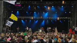 Idlewild - You Held The World In Your Arms @ T in the Park '09
