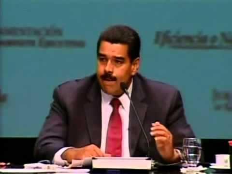Fidel Barbarito durante su juramentación como ministro por el Presidente Nicolás Maduro