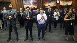 Ontario PC staffers drown out reporters