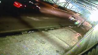 Dos asaltantes se llevaron carro mediante el bajonazo y hasta le dispararon al conductor
