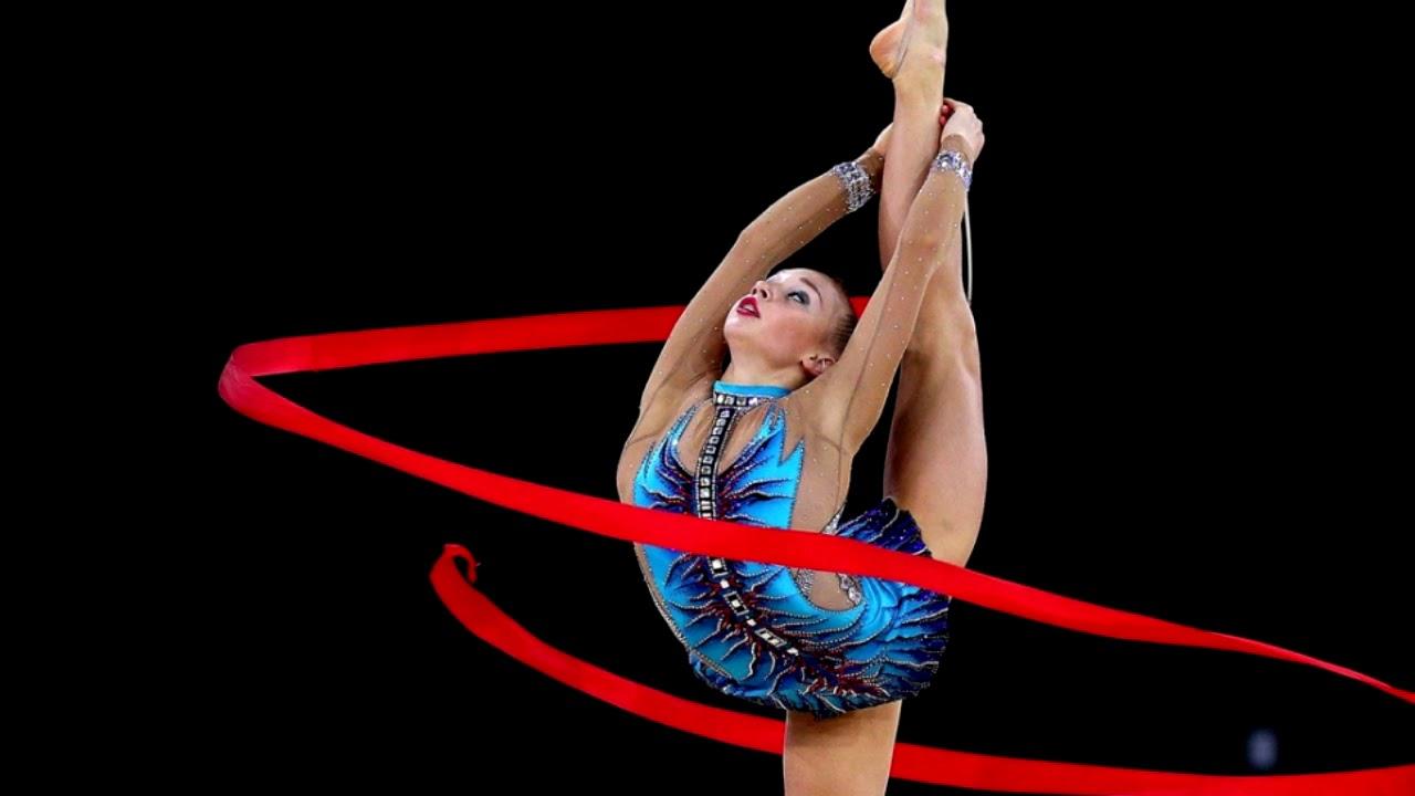 фотки гимнасток обведенный черным шрифтом ранее, двадцать первого