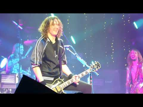 The Darkness - Christmas Time - Hammersmith Apollo 2017