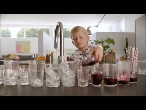 Limonade maken met de uittrekslang van de Quooker Flex