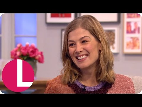 Rosamund Pike Enjoyed Playing 'Crazy' Character in Gone Girl  Lorraine