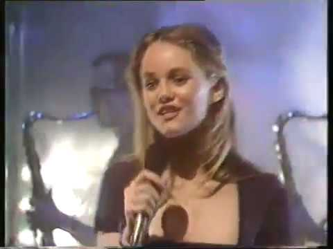 Vanessa Paradis - Joe Le Taxi - Top Of The Pops - Number 4 ... ванесса паради такси