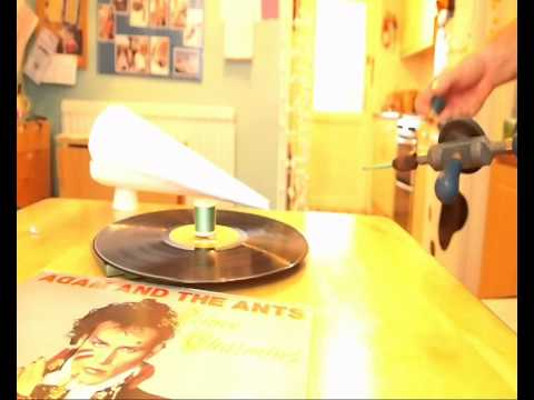 Things to do with your old vinyl records: Make a gramophone!