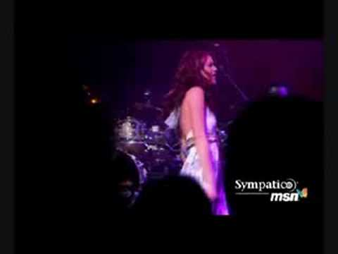 Joss Stone - Put Your Hands On Me (Live @ MSN Concert)