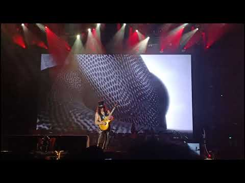 Slash Solo Guitar And Sweet Child O' Mine - Guns N Roses Jakarta 2018