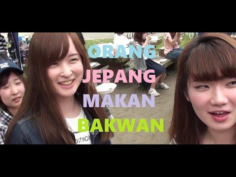 Reaksi Orang Jepang dikasih Gorengan Bakwan