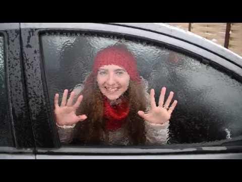 Как разбить стекло в машине? ПРИКОЛ! Ледяной дождь в Москве