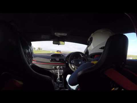 Megane RS bedford Autodrome Girlfriend 1st time on track!