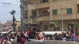 بالفيديو : NMNMمني السيد فتاة العربة تتسلم السيارة التي وعدها بها الرئيس في احتفالية كبري