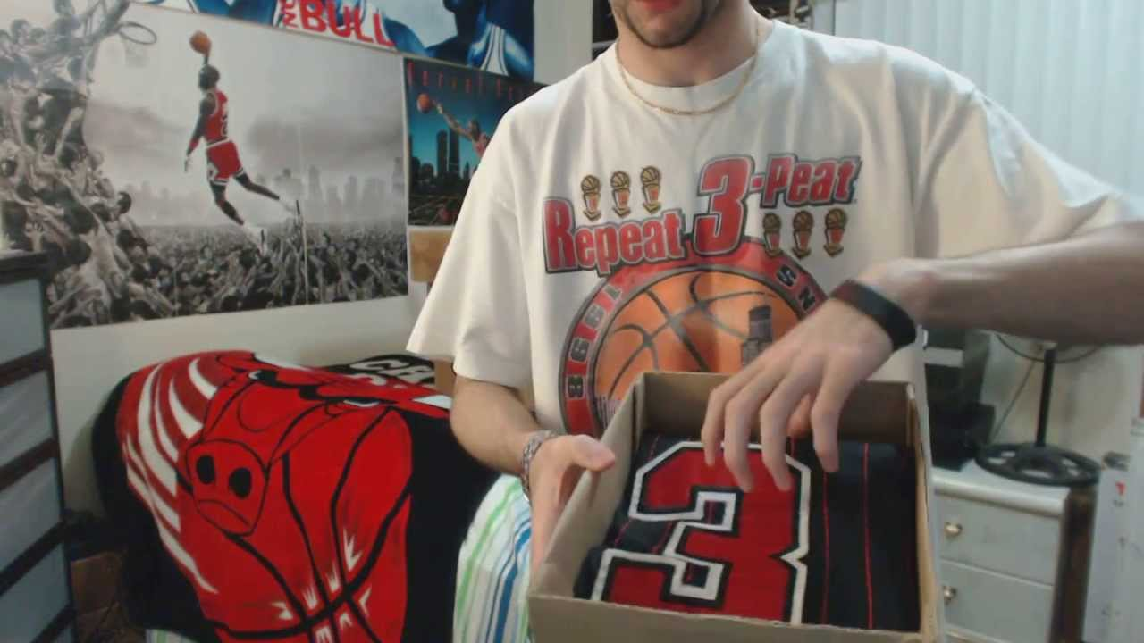 mcxbkh Unboxing: Michael Jordan Black/Red Chicago Bulls Pinstripe Jersey