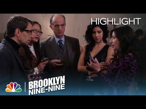 Brooklyn Nine-Nine - Gina Linetti, The Perfect American President (Episode Highlight)