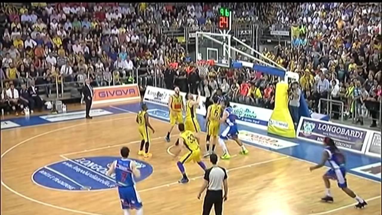 Basket Brescia Leonessa in finale playoff - YouTube